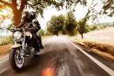 wa11papers-ru_motocrycles_1680x1050_003