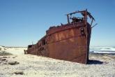 Wa11papers.ru_shipwreck_2946x1940_027